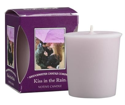 Świeca zapachowa Votive Kiss in the Rain 56 g Bridgewater Candle
